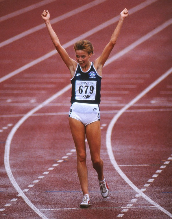 Liz wins gold at the Meadowbank Stadium (Colorsport/REX Shutterstock)