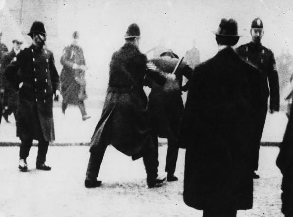 Police arrest protestors (Halton Archive)
